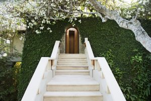 RS2589_Amankila - Entrance to Pool Suite -lpr
